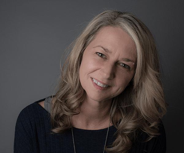 Maternity and Newborn Photographer Lisa Wilson